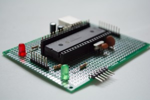 Do-It-Yourself Pinguino PIC18F4550 Board